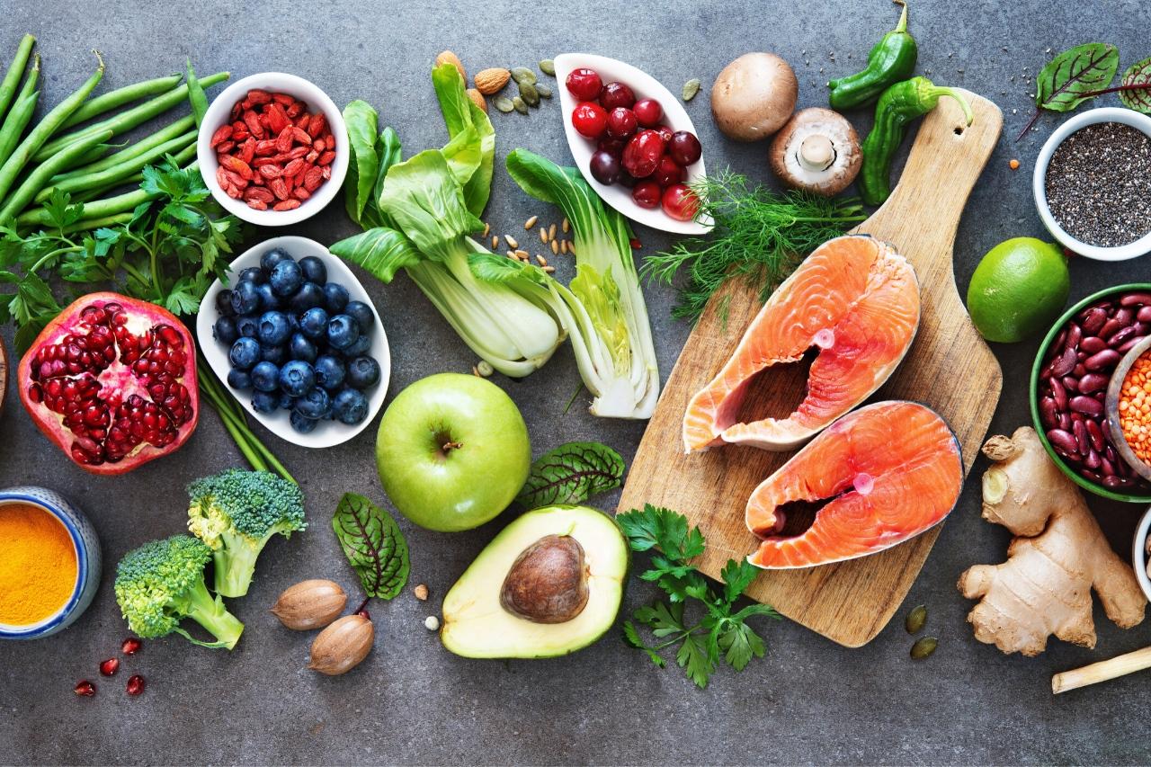 produkty zywnosciowe na stole